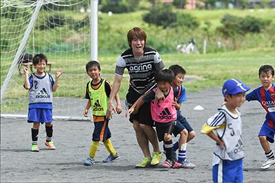 FC東京下部組織出身第1号 馬場憂太選手がルピナスサッカースクール開講の画像